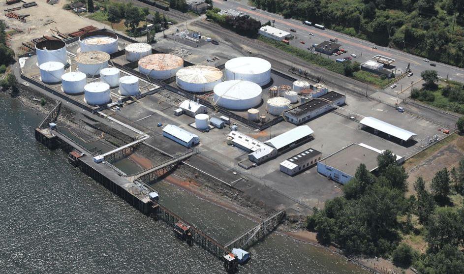 مخزونات النفط الخام الأمريكية ترتفع بأكثر من المتوقع عند 6 ملايين برميل الأسبوع الماضي