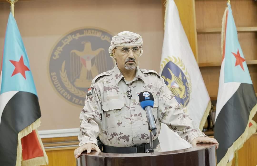تجاهل الحديث عن اتفاق الرياض.. الزبيدي يعلن حالة الطوارئ لمواجهة المليشيا الحوثية