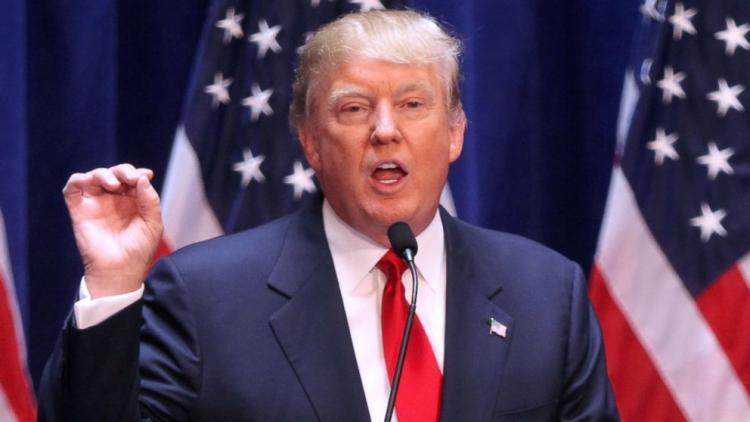 """ترامب يقول إن تحرير الرقة """"نقطة تحول"""" في الحرب على """"داعش"""